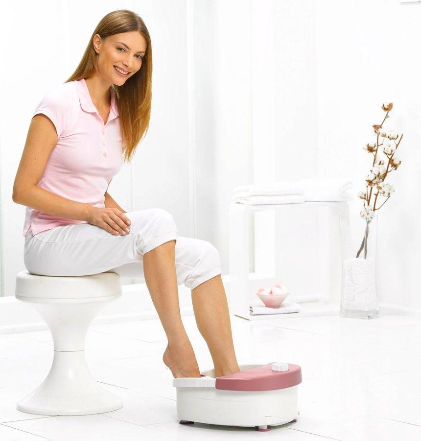 La cura e il benessere di vostri piedi non è più un problema grazie all'idromassaggio plantare con pediluvio FB 20 di BEURER