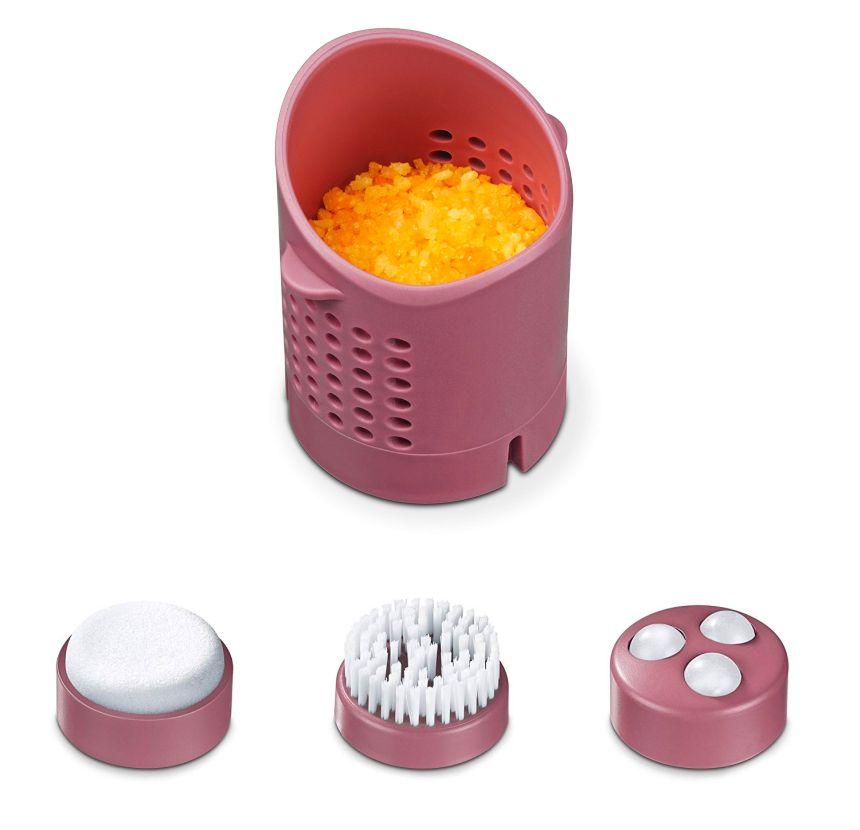Gli accessori in dotazione all'idromassaggio BEURER FB 35: vaschetta per aromaterapia, callifugo, spazzola e massaggiatore a secco