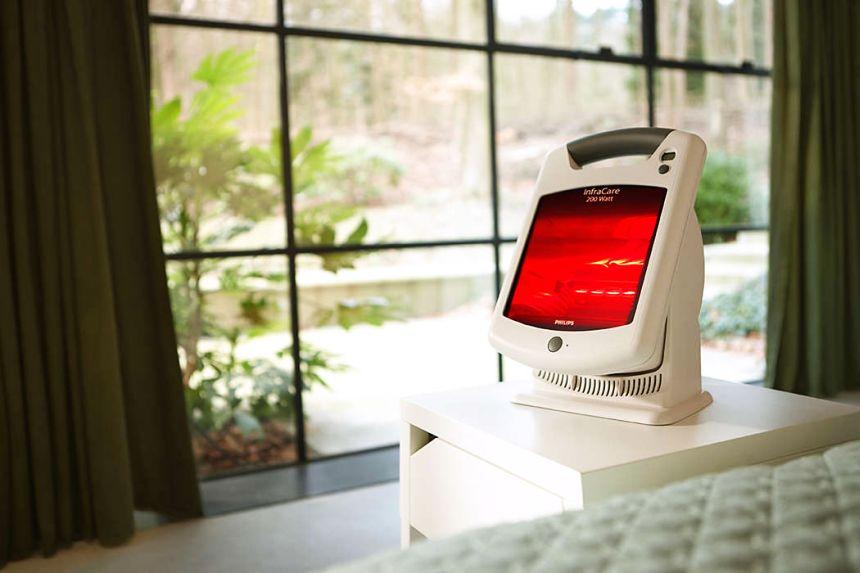 La lampada ad infrarossi PHILIPS InfraCare HD3621 è compatta e può essere usata in qualunque ambiente di casa vostra