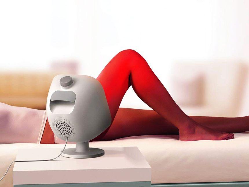 Non solo schiena: la lampada a infrarossi PHILIPS InfraCare PR3120/00 vi permette di agire su diverse parti del corpo, incluse le articolazioni (notare il timer meccanico in testa alla lampada)