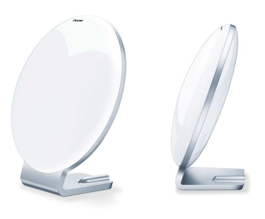 La lampada di luce naturale del giorno BEURER TL 50 ha un design molto elegante e grazie al peso leggero è anche facilmente trasportabile
