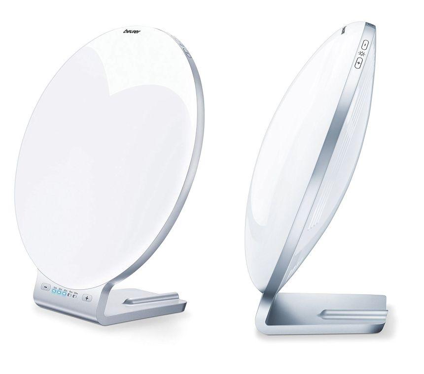 La lampada di luce naturale del giorno BEURER TL 70 ha un design molto elegante e grazie al peso leggero è anche facilmente trasportabile