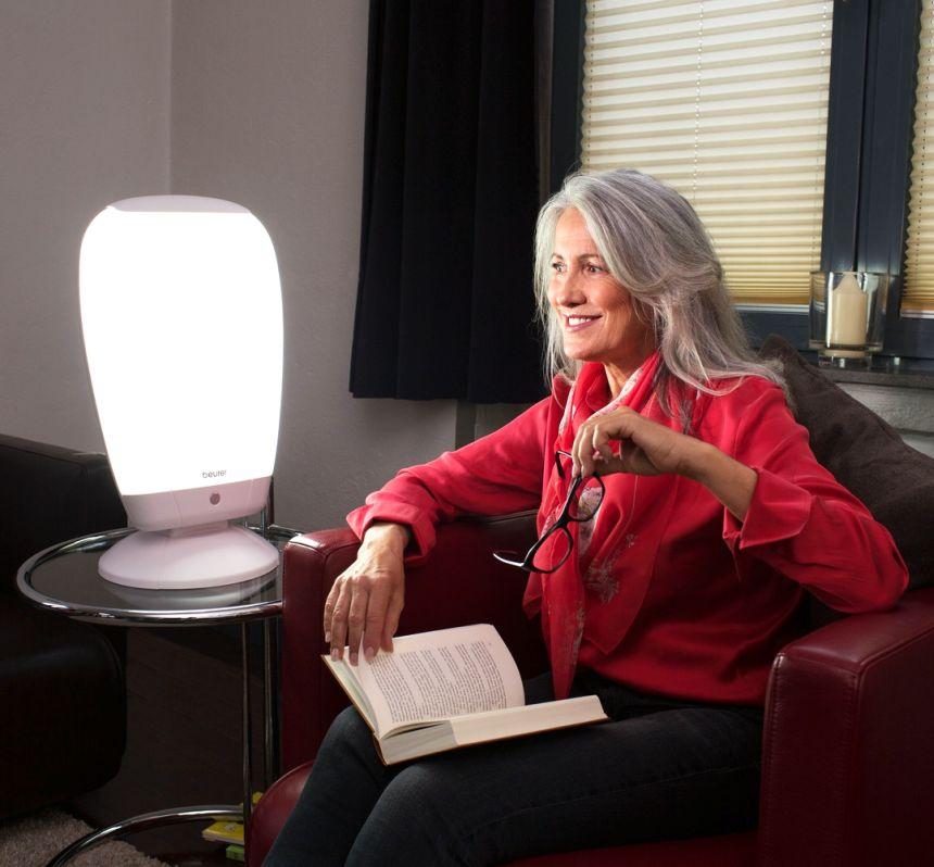 Ritrovate la serenità e il buonumore grazie all'azione benefica della lampada di luce naturale del giorno BEURER TL 80