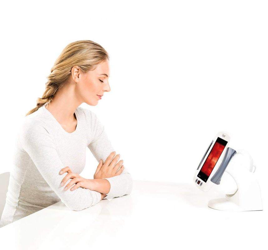 Il radiatore termico a infrarossi BEURER IL 50 è molto pratico e vi permette di curarvi standovene comodamente seduti a casa